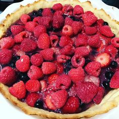 Refusing to let the cold days have a say with this paleo triple berry pie... #pie #berrypie #strawberry #blueberry #raspberry #paleo #paleobaking #paleolife #bake #yum #delicious #healthy #eatclean #cleaneating #glutenfree #dairyfree #sugarfree #tasty #food #foodporn #instafood #dessert