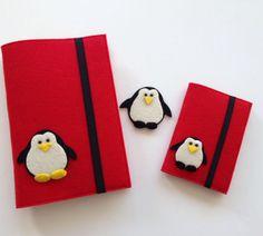 Penguen Figürlü Kırmızı Kitap ve Pasaport Kılıfı Seti