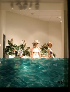 A little film applied to the H&M windows really help make a Summer splash. #WinningWindow, #RetailAware