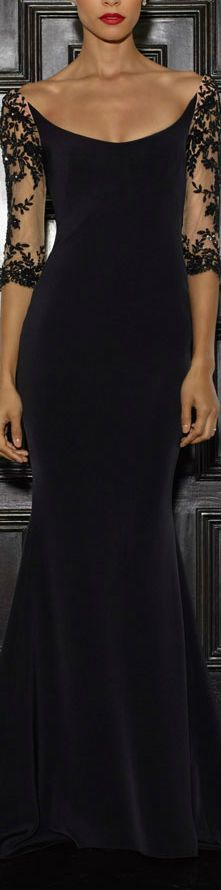 Amazing neckline on this Lorena Sarbu Fall 2015 black gown. Elegant Dresses, Pretty Dresses, Formal Dresses, Fabulous Dresses, Bride Dresses, Club Dresses, Beautiful Gowns, Beautiful Outfits, Gorgeous Gorgeous