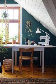 Scandinavian Interior Design, Modern House Design, Vintage Furniture, Corner Desk, Dining Bench, Loft, Colours, Interior Ideas, Rooms