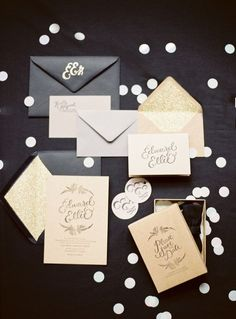 Luxurious gold and black wedding invitation suite #wedding #gold #goldblack #weddinginvite #goldwedding