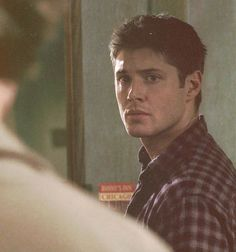 1x16 Shadow so much emotion in deans eyes. he very rarely lets that show