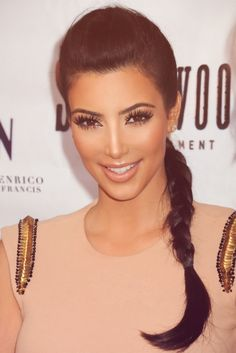 Kim Kardashian ...........click here to find out more http://googydog.com