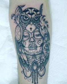 #tattoo #tatuagem #catrinatattoo #catrina #corujatattoo #corujatattoo #owltattoo #owl #blackangreytattoo #blackandgrey #mexicanatattoo #instatattoo #instaink #inked #inkedtattoo #bodylinetattoo #artfusion