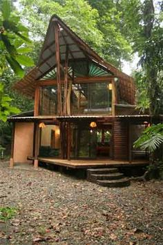 A very cool Jungle House in Costa Rica! #ecofriendly