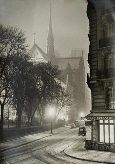 A winter night in Paris, 1940s