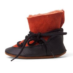 https://www.etsy.com/listing/253602566/baby-shoe-baby-moonboots-baby-snowboots?ref=shop_home_active_14