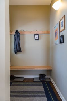 Creative DIY Entryway Bench Ideas Even if your entryway is a little space, it's an area where Christmas decorations may have a . Entry Hall Furniture, Entryway Bench, Entryway Ideas, Door Ideas, Inside A House, Retreat House, Entrance Ways, Beautiful Space, Home Organization