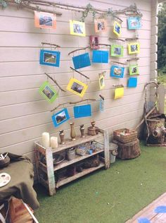 Natural items and loose parts accessible for young children. Reggio Classroom, Infant Classroom, Classroom Layout, Outdoor Classroom, Classroom Design, Classroom Displays, Preschool Classroom, Preschool Activities, Reggio Children