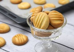 Pudingos Keksz, sütipecséttel is kiváló. Cookies with pudding powder. Keeps it shape so it is great if you want to use a cookie stamp. Sweet Recipes, Cake Recipes, Vegan Recipes, Cooking Recipes, Pudding Cookies, Gluten Free Sweets, Hungarian Recipes, Corn Dogs, Cookies Et Biscuits