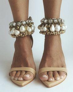 Head over heels for our DOSA heel and LAXMI anklet | #graceloveslace #theuniquebride #weddingshoes