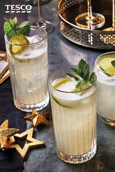 Boost a bottle of Prosecco by turning it into a batch of Prosecco mules - the perfect Christmas cocktail. Combine your fizz with vodka and ginger beer for a fiery festive tipple. Prosecco Cocktails, Festive Cocktails, Martinis, Holiday Drinks, Fun Drinks, Yummy Drinks, Beverages, Tesco Christmas, Christmas 2019