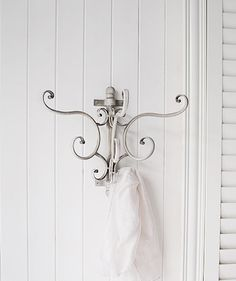 Coat hooks and hallway furniture to furnish your hall. From Country to Coastal, French to New England, you will find hall furniture to suit your home from The White Lighthouse. Order online with fast delivery.