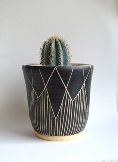 T R I B A L stoneware planter by mbundy on Etsy Ceramic Pottery, Pottery Art, Ceramic Clay, Sculptures Céramiques, Pottery Classes, Ceramics Projects, Ceramic Planters, Clay Planter, Sgraffito