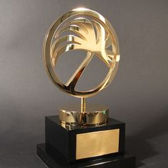 Haulfryn Award - EFX Bespoke Awards and Trophies Perpetual Trophy, Trophy Design, Metal Plaque, Film Awards, Corporate Gifts, Light Bulb, Sculptures, Wooden Products, Gold