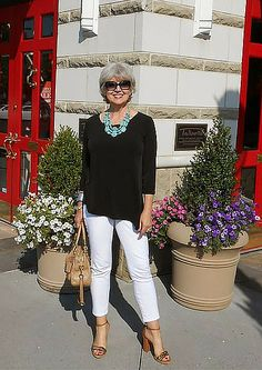 Over 50 Fashion Catalogue Clothes For Women Over 40, Plus Size Fashion For Women, Fashion Tips For Women, 60 Fashion, Fashion Over 40, Fashion Outfits, Fashion Trends, Fashion Clothes, Cheap Fashion