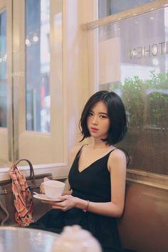 Trendy Asian Hairstyles For Women& 2019 - Asi. Trendy Asian Hairstyles For Women& 2019 – Asian Hairstyles 2019 Short Haircuts With Bangs, Hairstyles With Bangs, Trendy Hairstyles, Short Hair Cuts, Haircut Short, Asian Bob Haircut, Hipster Haircut, Medium Asian Hairstyles, Layered Short Hair
