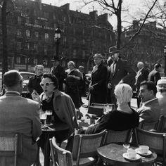 1956 | 21 Magnificent Mid-Century Pics Of Paris