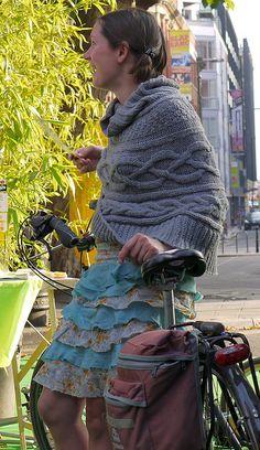 knit shawl and ruffle skirt....LOVE!!