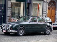 Jaguar Mk2  THIS WAS OUR 2ND JAGUAR...HH AND BOB