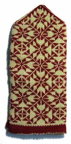 Latvian traditional patterned knitted mittens (Latgale region). #Latvia #knitting