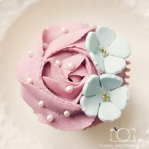 Pretty cupcake (Dollymix Fits).