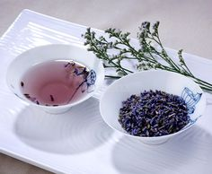 Lavender tea can help ease insomnia. Lavender tea can help calm nervousness and anxiety. It's also used to alleviate stress and uplift flagging spirits.