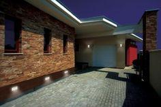 TANGO MAX - Beständig gegen Schlagregen. Die Leuchte ist für den Innen- und Außenbereich geeignet.