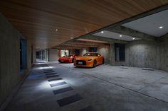 40 best garage design ideas for your dream home 31 Commercial Architecture, Modern Architecture House, Facade Architecture, Underground Garage, World Decor, Garage Interior, Modern Garage, Luxury Garage, Parking Design