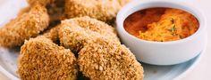 Découvrez cette recette vegan de nuggets aux pois chiches. Rapides à réaliser et sans matière grasse, ils sont idéaux pour un mercredi ou un samedi midi.
