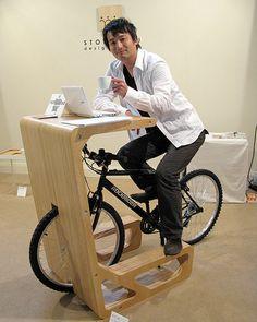 Usare la tua bike come sgabello per prendere un caffè..adesso puoi! :) (Bike in cafe??)