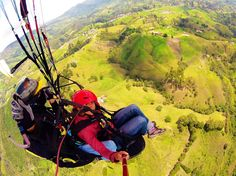 Did you ever do paragliding? In Colombia there are many spots where you can do it! See the world from the bird's eye view and live the sensation of flying! #travelandmakeadifference #paraglyding #outdoors #bird #perspective #world