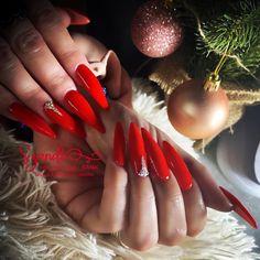 "𝓝𝓪𝓲𝓵𝓼 𝓫𝔂 𝓢𝔃𝓪𝓷𝓭𝓲 on Instagram: ""𝓥𝓪𝓭𝓸𝓻𝔃𝓸́𝓪𝓷 𝓷𝓸̂𝓲𝓮𝓼😍😍😍❤️🥰💅🏼✨ #christmasnails #karácsonyikörmök #csillogósköröm #longnails #stilettonails #extranails #extralongnails…"" Nails, Instagram, Finger Nails, Ongles, Nail, Nail Manicure"
