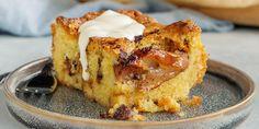 Klassisk æblepai i langpande Let Them Eat Cake, French Toast, Baking, Breakfast, Sweet, Recipes, Food, Yummy Yummy, Cakes