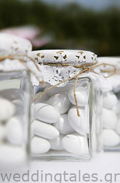 A simple yet sooo chic wedding favour for your guests with a vintage style! By @Vassiliki Bissa Bissa creations!