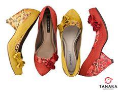 Tanara - Sapato salto médio com laço na lateral.  REF. N3181 / R$ 199,90