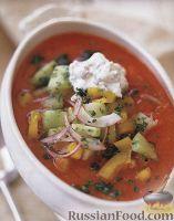 Фото к рецепту: Гаспачо со сметанным соусом