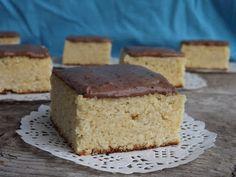 Kipróbált és bevált receptek ...: Kókuszlisztes sütemény csokoládés tejfölkrémmel (g... Paleo, Healthy Desserts, Cornbread, Muffin, Eat, Ethnic Recipes, Food, Health Desserts, Millet Bread