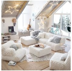 Teen Girl Bedrooms cozy image - An amazing and . Teen Girl Bedrooms cozy image - An amazing and dreamy pool of sweet information. Sectioned under teen girl rooms decorating ideas tween , nicely shared on this perfect moment 20190322 Teen Lounge Rooms, Teen Hangout Room, Cute Girls Bedrooms, Teen Girl Rooms, Living Room Designs, Living Room Decor, Romantic Living Room, Small Apartment Decorating, Cozy Bedroom