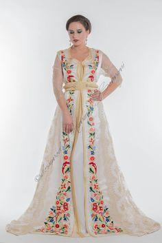 Flowers Kaftan, Caftan Gallery, Arab Wedding, Moroccan Caftan, Natural Hair Styles, Kimono Top, Glamour, Gowns, Style Inspiration