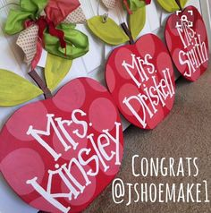 Congratulations Youre the winner of the apple door hanger giveaway! Email Megan at meganburtdesign for your personalization. Thanks for entering everyone! Teacher Door Hangers, Teacher Doors, Teacher Signs, Burlap Crafts, Wood Crafts, Diy And Crafts, Burlap Door Hangers, Pintura Country, Wood Cutouts