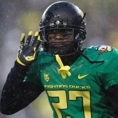 What's that? The 2012 Oregon football season is approaching?! Win the Day, Go Ducks! :)
