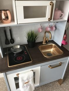 Newest Snap Shots Ikea (Good) Kitchen DIY Suggestions An Ikea kids' room continues to fascinate the kids, because they're provided much more than jus Ikea Kids Kitchen, Ikea Kids Room, Mini Kitchen, Wooden Kitchen, Kitchen Sets, Dinette Ikea, Toddler Play Kitchen, Ikea Toys, Cocina Diy