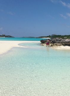 The very best things to do in the Exuma Cays (Bahamas) including the mile long sandbar.