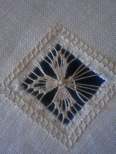 (via Twila Hinzy, Hardanger embroidery) Types Of Embroidery, Hand Embroidery Stitches, Learn Embroidery, Embroidery Techniques, Embroidery Art, Embroidery Patterns, Bordado Popular, Broderie Bargello, Teneriffe