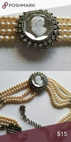 Cameo Vintage Necklace Vintage 1960s or early 1970s Victorian inspired chocker necklace.   With mirror cameo, fake pearls.  16 inch.  Great for Halloween, Steam Punk, or Dress up. Jewelry Necklaces
