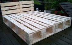 Meble z palet - Łóżka Diy Furniture, Household, New Homes, Home And Garden, Cottage, Sleep Room, Wood, Pallet Ideas, Landscaping