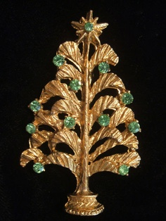 Unusual Old Rhinestone Christmas Tree Pin