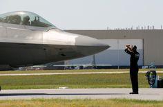 F22 with ground crew